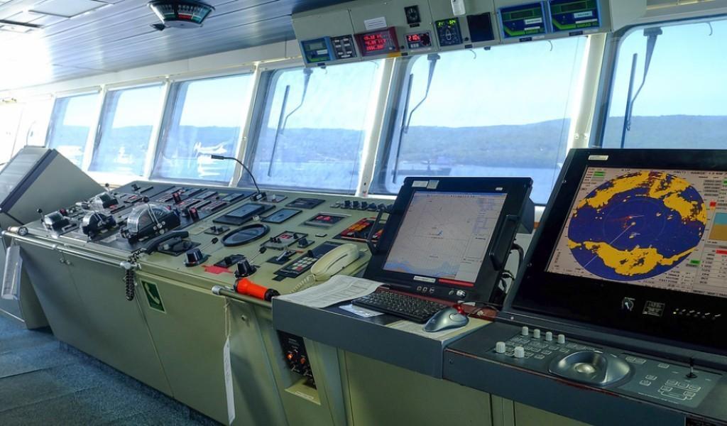 Доставка радиосвязного, навигационного, спасательного и штурманского оборудования из Латвии под ключ